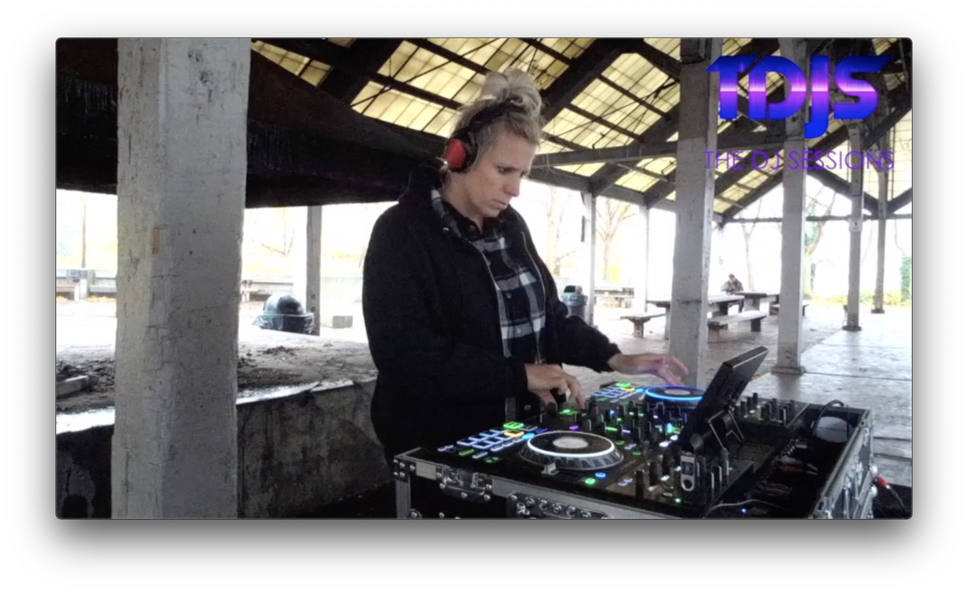 "Janie Kelley on The DJ Sessions presents ""Silent Disco Sunday's"" at Gas Works Park 11/17/19"