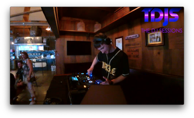 """DA33L€ Pt. 2 on the """"7B's Brunch"""" Sessions presented by The DJ Sessions at the Queen Anne Beer Hall 7/24/21"""